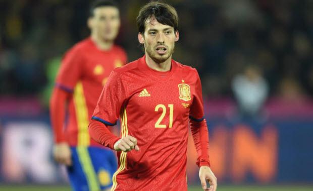 David Silva chấn thương nhẹ, vẫn có thể kịp bình phục trước Euro 2016