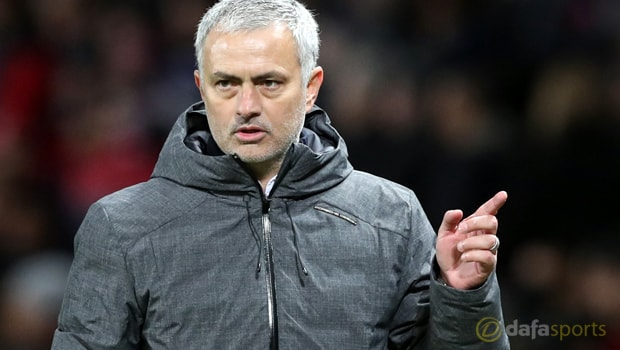 Jose Mourinho cam kết gắn bó với Manchester United