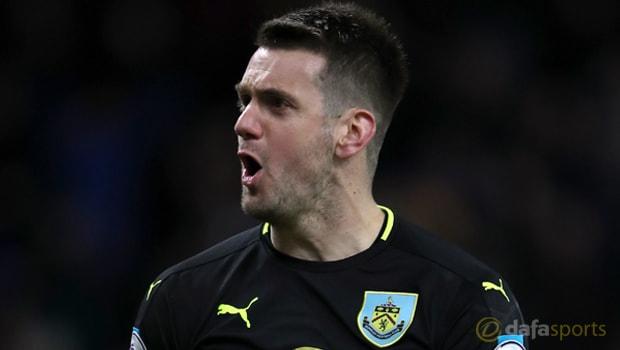 Heaton: Burnley không bao giờ cảm thấy áp lực cho cuộc chiến trụ hạng