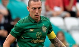 Đội trưởng Scott Brown của Celtic sẵn sàng cho cuộc đối đầu với Linfield