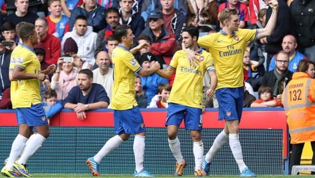 Arsenal-celebrates-against-crystal-palace