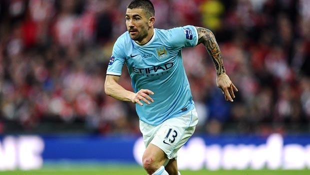 Aleksandar Kolarov của Manchester City
