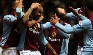 Tiền vệ Fabian Delph của Aston Villa