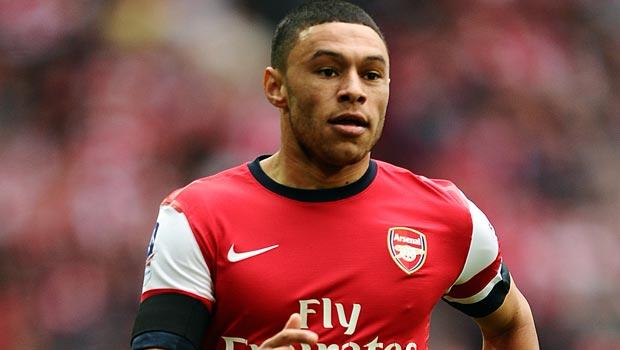 Cầu thủ chạy cánh Oxlade-Chamberlain của Arsenal