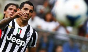 Tiền đạo Carlos Tevez của Juventus