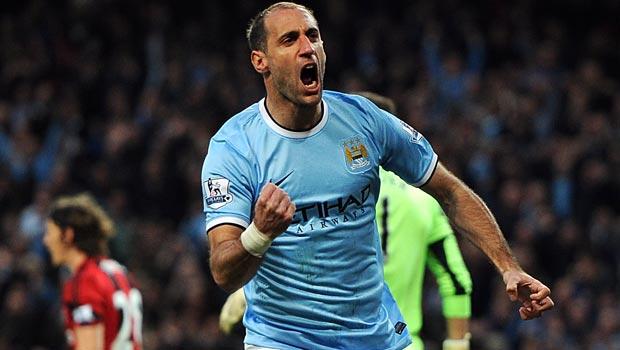 Hậu vệ phải Pablo Zabaleta của Manchester City  Bóng Đá