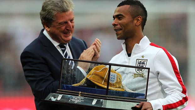 Hậu vệ Ashley Cole danh sách đội tuyển Anh