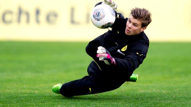 thủ thành Mitch Langerak của Borussia Dortmund