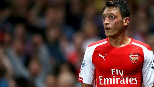 Ngôi sao Arsenal Mesut Ozil