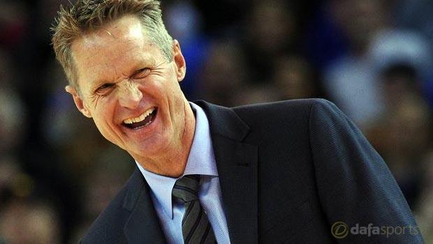 Golden-State-Warriors-coach-Steve-Kerr-NBA-bong-ro