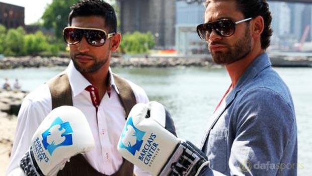 Amir-Khan-and-Chris-Algieri-boxing