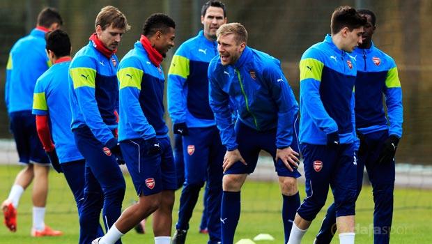 Arsenal-Per-Mertesacker-Champions-League