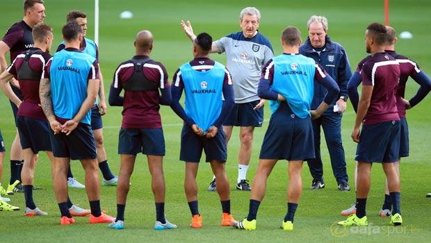 England-manager-Roy-Hodgson-Euro-2016