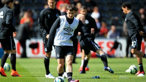 Everton-Leighton-Baines-and-Bryan-Oviedo