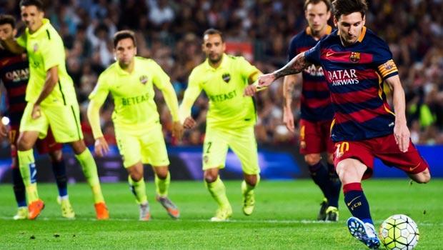 Lionel-Messi-Barcelona-4-1-Levante