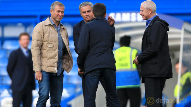 Chelsea-owner-Roman-Abramovich-meets-manager-Jose-Mourinho