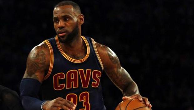 Ngôi sao của Cleveland Cavaliers, LeBron James làm nên lịch sử tại NBA