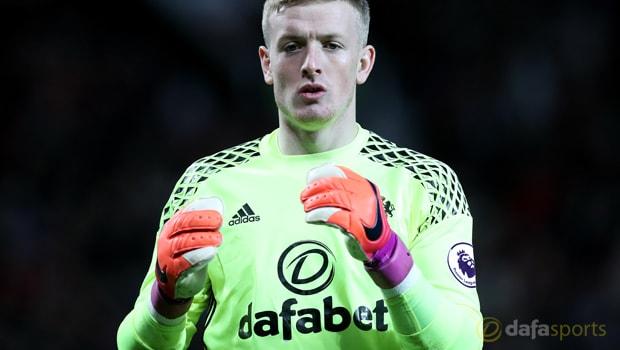 Jordan Pickford nên ở lại Sunderland để được ra sân thường xuyên