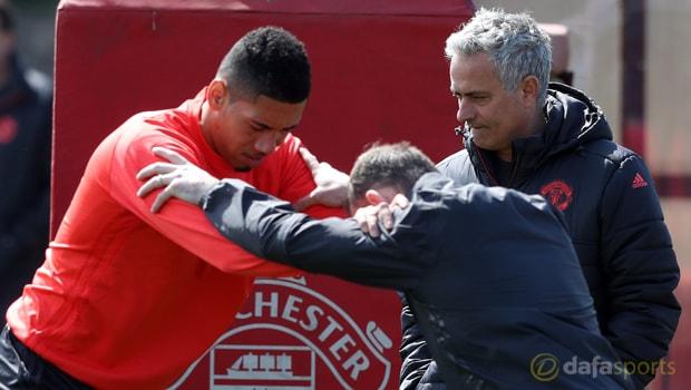 Smalling không gặp vấn đề gì với cá tính của Mourinho