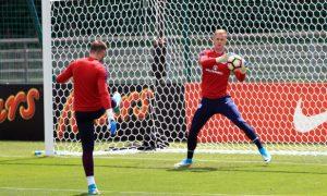 Joe Hart mong chờ trận ra mắt cho West Ham