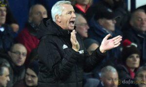 HLV Alan Pardew hài lòng với đội ngũ tuyển trạch viên