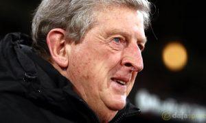 Roy Hodgson không đảm bảo tương lai cho Wilfried Zaha