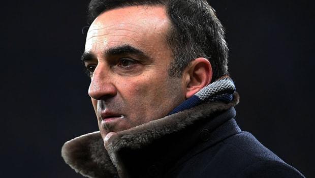 HLV của Swansea City Carlos Carvahal tự tin với hợp đồng mới