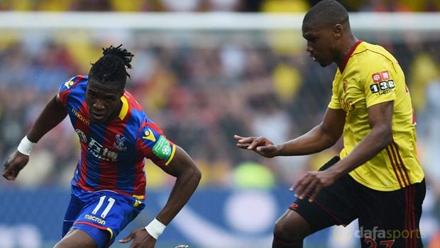 Wilfried Zaha cam kết tương lai tại Crystal Palace