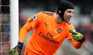 Arsenal: Petr Cech sẵn sàng cạnh tranh suất bắt chính với Bernd Leno