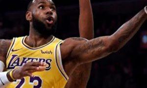 Ngôi sao LeBron James thừa nhận điểm yếu hàng phòng ngự của LA Lakers