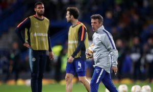 Trợ lý Gianfranco Zola kêu gọi Chelsea đoàn kết