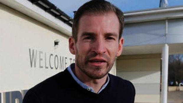 Kèo bóng đá Huddersfield Town: đặt cược vào Jan Siewart
