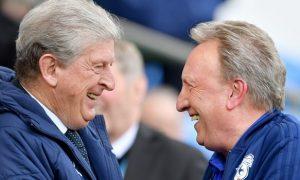 HLV Neil Warnock không chắc chắn về tương lai tại Cardiff City