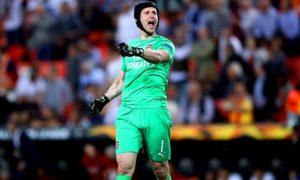 David Seaman cho rằng Petr Cech nên dự bị trong trận chung kết Europa League