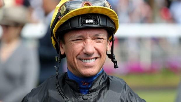 Cá cược đua ngựa Frankie Dettori tại trường đua Derby