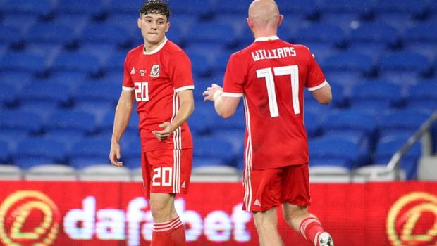 Daniel James ghi bàn giúp Wales thắng Belarus