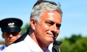 Jose Mourinho chỉ trích Kepa và Kovacic
