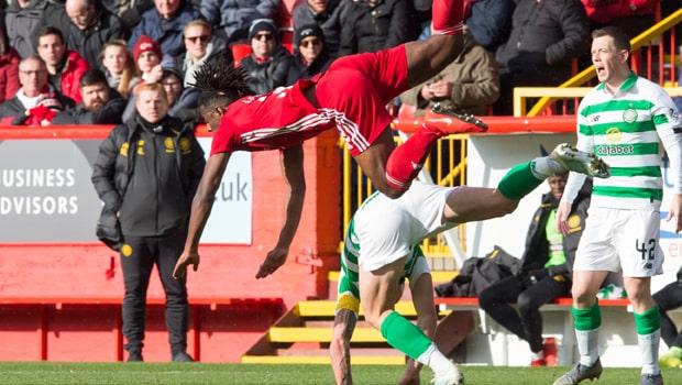 Celtic giữ vững ngôi đầu bảng sau chiến thắng