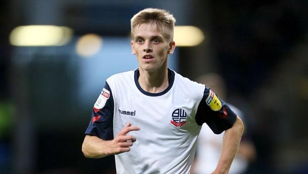 Celtic theo đuổi sao trẻ của Ronan Darcy của Bolton