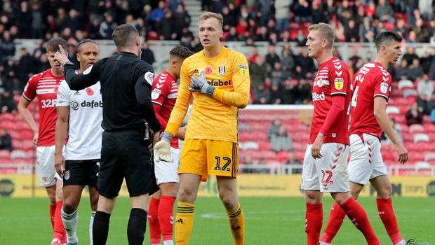 Fulham cầm hòa Middlesbrough với 10 người trên sân