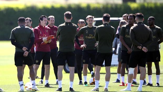 Arsenal chìm trong khủng hoảng
